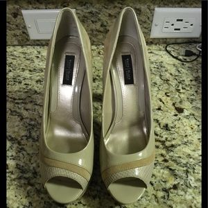 Awesome WHBM Nude Heels 9 Excellent Condition
